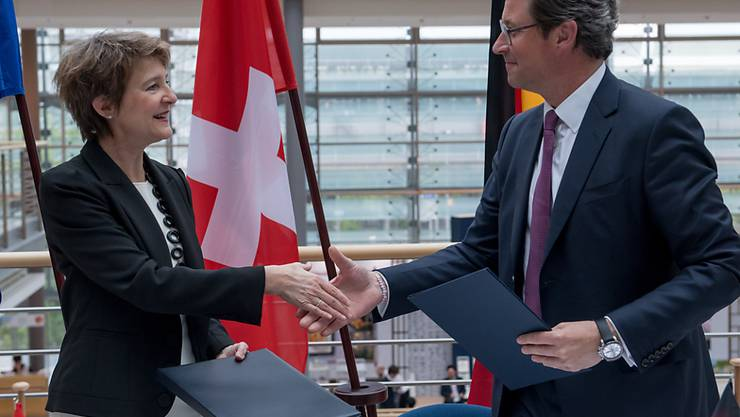 Auf der Neat-Zufahrt den Güterverkehr auf der Schiene stärken: Verkehrsministerin Simonetta Sommaruga und der deutsche Bundesverkehrsminister Andreas Scheuer haben eine Ministererklärung unterzeichnet.