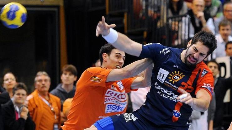 Für Florian Goepfert (in Orange, hier gegen Montpelliers Weltstar Karabatic) jagt ein Hightlight das nächste.