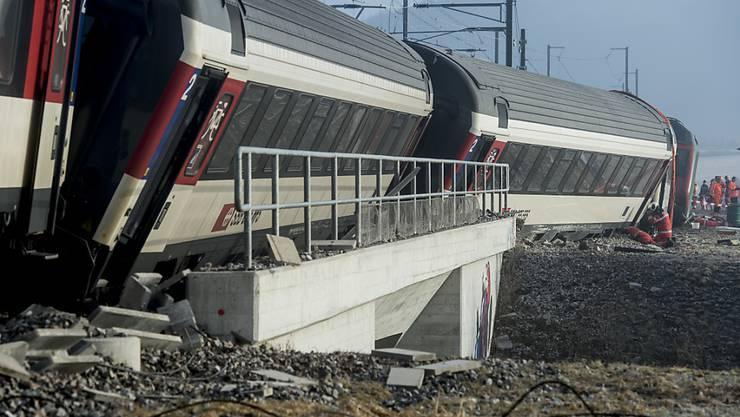Der Schlussbericht der Schweizerischen Sicherheitsuntersuchungsstelle SUST liegt vor: Der Lokführer hatte ein Signal verwechselt. (Archiv)