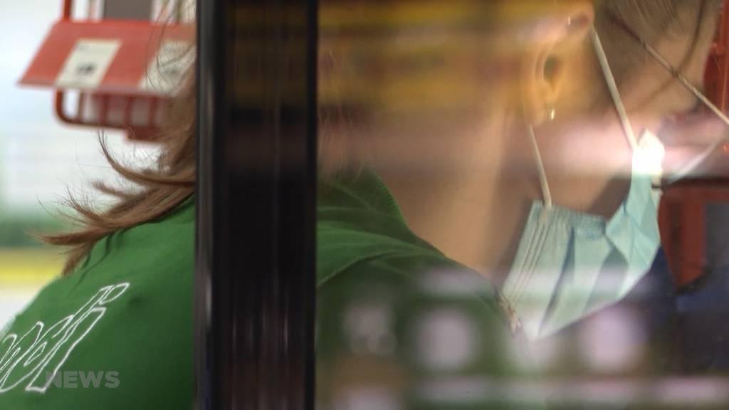 Kanton Freiburg: Gespaltene Meinungen bezüglich der Maskenpflicht in Läden