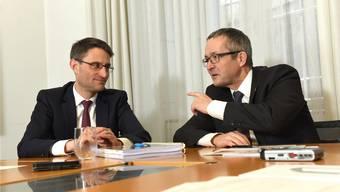 Ein Herz und eine Seele: die Gesundheitsdirektoren Lukas Engelberger (l.) und Thomas Weber.