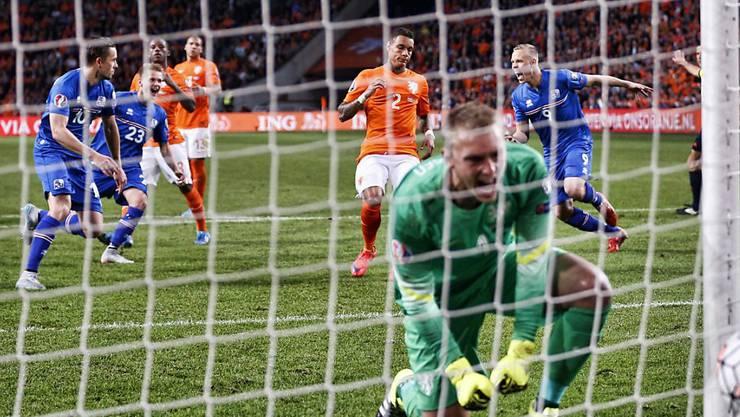 Island siegte in der EM-Qualifikation am 3. September 2015 in Amsterdam durch ein Penaltytor von Gylfi Sigurdsson 1:0