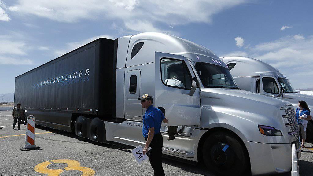 Auch Daimler ist ins Visier der EU-Wettbewerbshüter geraten wegen unerlaubter Preisabsprachen. (Symbolbild)