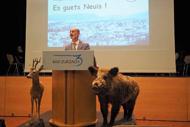 Gemeindeammann Reto S. Fuchs bei seiner Rede.