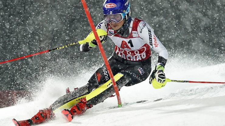 Mikaela Shiffrin - volle Konzentration im Schneefall von Flachau