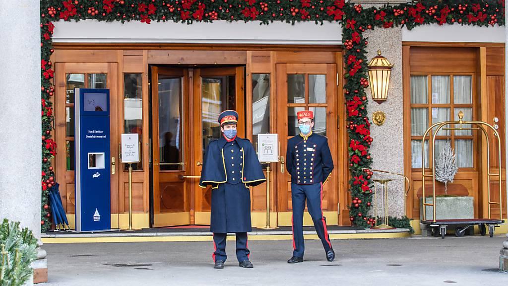 Das Badrutt's Palace Hotel in St. Moritz steht bis am Mittwoch unter Quarantäne. (Archivbild)