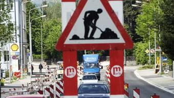 Der Zürcher Regierungsrat hat Kredite in Höhe von rund 5,9 Millionen Franken für zwei Strassenbauprojekte bewilligt. (Archiv/Hanspeter Bärtschi)