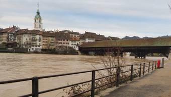 Die Uferwege «Süüfzgerallee» und «Chessiloch» wurden gestern gesperrt. Im Verlauf des Tages ist das Wasser der Aare aber bereits wieder deutlich gesunken.