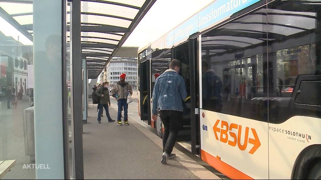 Mit Trennwänden aus Glas: Solothurner Busbetriebe rüsten wegen Corona auf