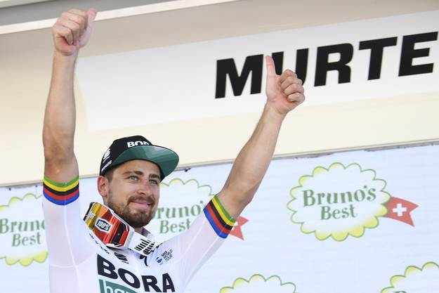 Auch beim den Feierlichkeiten zum Etappensieg von Peter Sagan ist das Schweizer Fernsehen mit dabei.