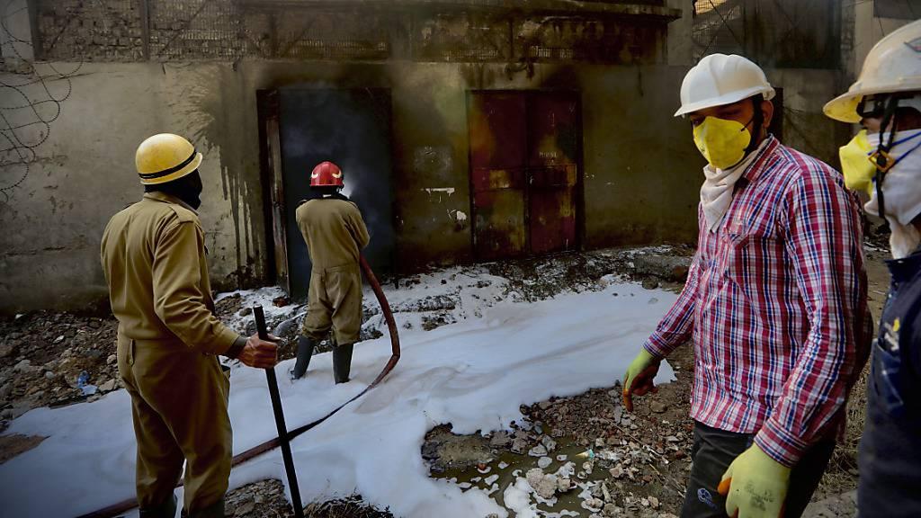 Ein Toter und 18 Verletzte bei Grossbrand in Fabrik