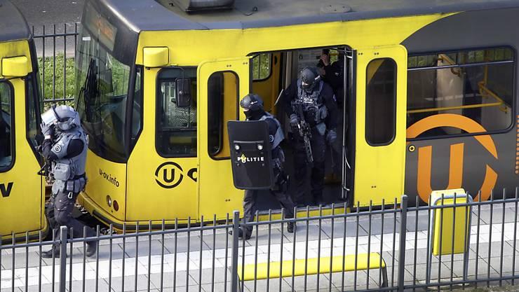 In diesem Tram in der niederländischen Stadt Utrecht wurden im März 2019 vier Menschen getötet. (Archivbild)