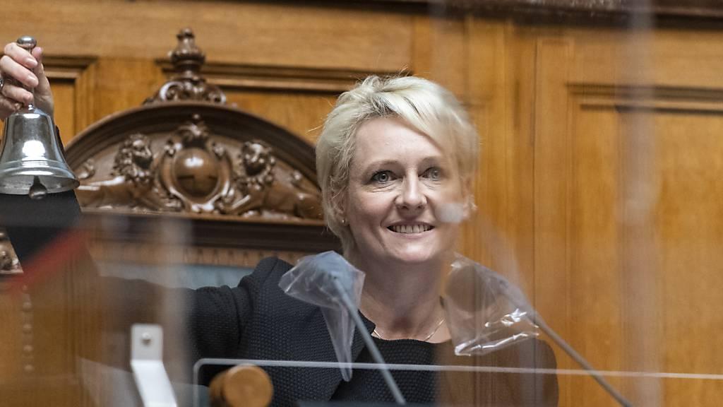 «Wir müssen uns an die kleinen Aquarien aus Plexiglas gewöhnen»: Nationalratspräsidentin Isabelle Moret (FDP/VD) hat die Herbstsession eröffnet.
