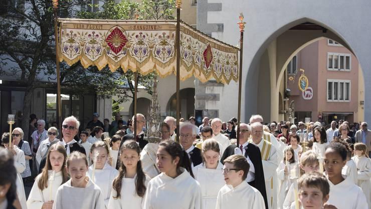 An der diesjährigen Prozession in Baden nahmen rund 300 Menschen teil.
