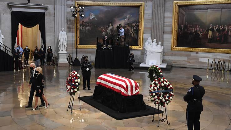 """Abschied eines """"Helden Amerikas"""": Drei frühere US-Präsidenten haben den verstorbenen Bürgerrechtler und demokratischen Kongressabgeordneten John Lewis als einen der grossen Helden Amerikas gewürdigt."""