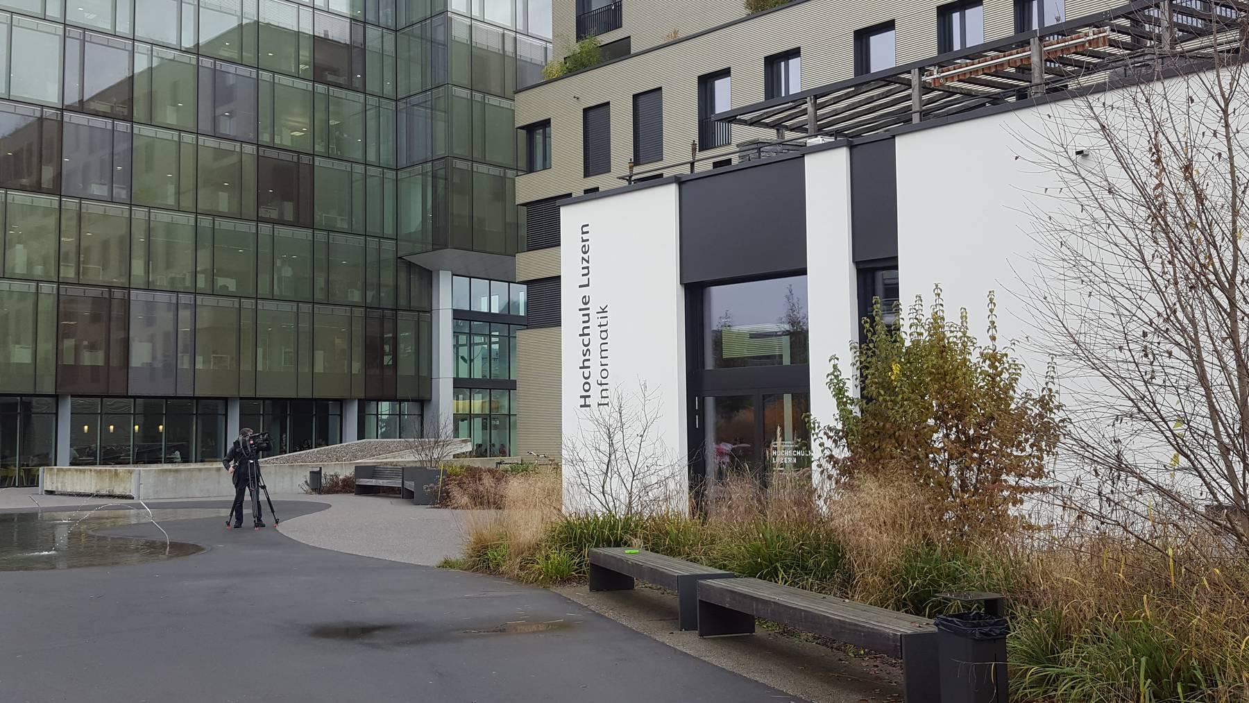 Das neue Departement Informatik der Hochschule Luzern HSLU im Gebiet Suurstoffi im zugerischen Rotkreuz