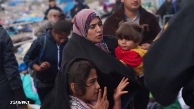 Ungarn lässt Flüchtlinge weiterziehen