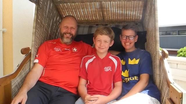 So tippt die Familie Wyler Niklasson vor dem Achtelsfinal-Spiel Schweiz-Schweden