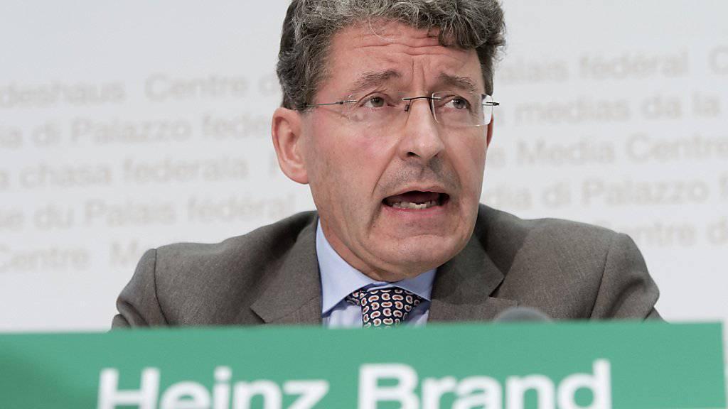 Der Bündner SVP-Nationalrat Heinz Brand gilt als Migrationsexperte, der auf Parteilinie politiert. Er ist der Kronfavorit für den zweiten SVP-Bundesratssitz. (Archiv)