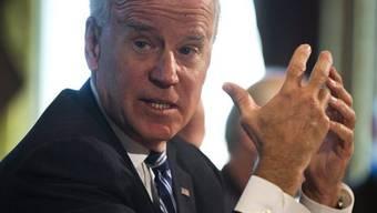Joe Biden während eines Treffens mit Sportschützen