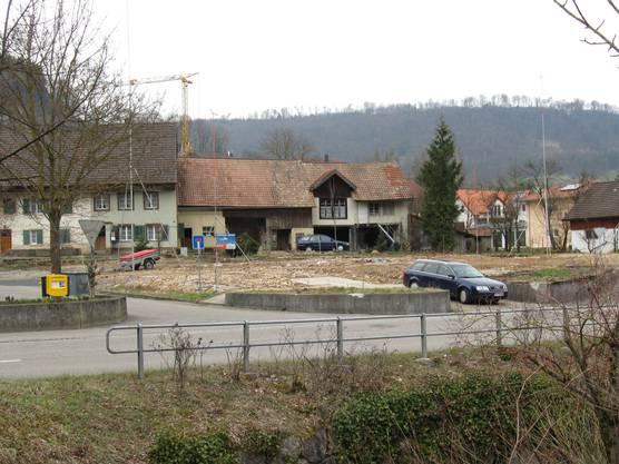 Nachher: Brandruine ist jetzt beseitigt – hier soll ein Wohnhaus gebaut werden. (chr)
