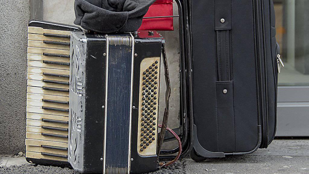Französischer Akkordeonist Azzola tot