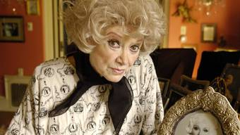 Extravagant bis ins Alter: Schauspielerin Phyllis Diller auf einem Bild von 2005