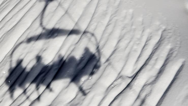 """Skifahrer zahlen in der Schweiz zwar grundsätzlich am meisten für den Pistenspass, können aber dank """"dynamischen"""" Preisen vermehrt auch kräftige Rabatte ergattern. (Themenbild)"""