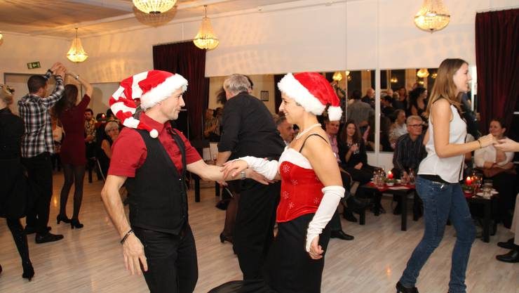 Zwei Santas bei Dancer's World