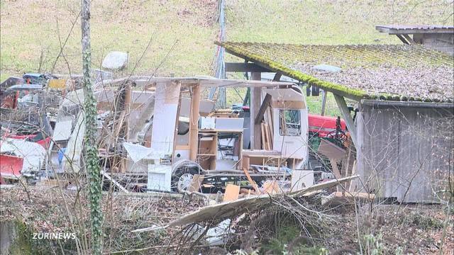 Besitzer verletzt nach Wohnwagen Explosion