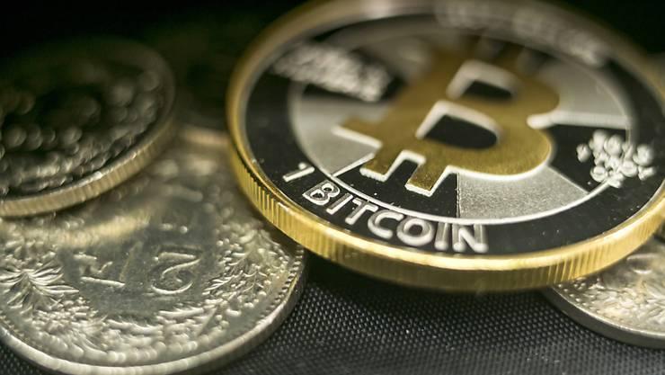 Auch andere Kryptowährung wie Ether oder Litecoin profitieren derzeit von der stärkeren Nachfrage nach Bitcoin. (Archivbild)