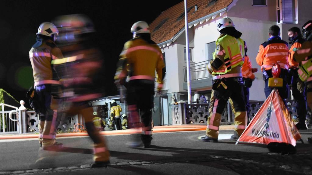 Brand in Einfamilienhaus – Zwei Personen müssen ins Spital