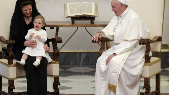 Königin Silvia und Prinzessin Leonore zu Besuch beim Papst