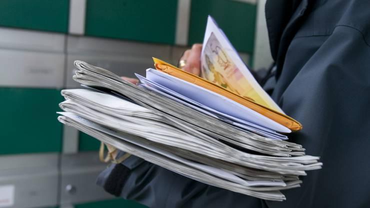 Immer mehr Briefe von Hilfsorganisationen landen im Briefkasten. (Symbolbild)