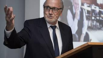 """Sepp Blatter (81) verfasst seine Abdankungsrede selber, denn er will als """"Entwicklungshelfer"""" gewürdigt werden, der den Fussball ins kleinste Dorf auf der ganzen Welt gebracht hat. (Archivbild)"""