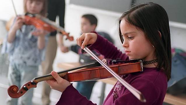 Zweitinstrument-Unterricht ist nun doch nicht nur im Rahmen der Begabtenförderung möglich. (Symbolbild)