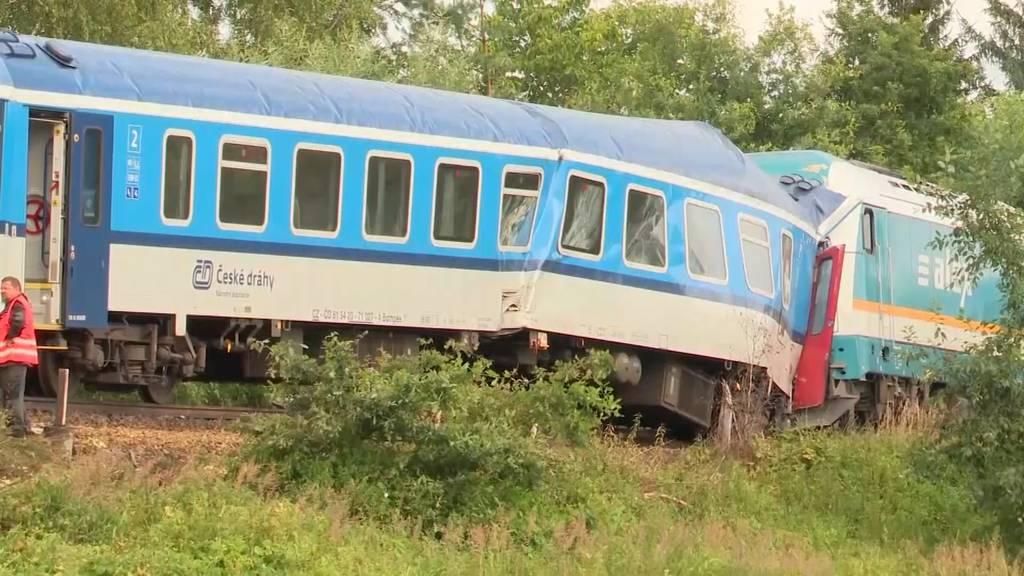 Zwei Tote und Dutzende Verletzte bei Zugunglück in Tschechien