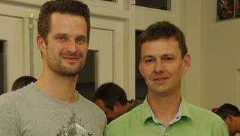 Nicolas Unternährer (links) berichtete auf Einladung von Lukas Weiss von seiner Arbeit beim FC Basel.