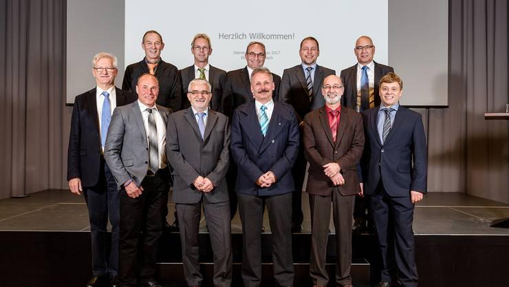 Von hinten: Heiri Rohner (Wislikofen), Adrian Thoma (Böbikon), Urs Habegger (Rümikon), Rolf Laube (Mellikon) und Projektleiter Peter Weber. – Vorne: Ruedi Weiss (Kaiserstuhl), Werner Schuhmacher (Rekingen), René Meier (Baldingen), Beat Rudolf (Rietheim), Reto S. Fuchs (Bad Zurzach), Marcel Baldinger (Fisibach).