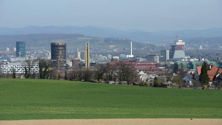 Panorama-Basel vom Bruderholz aus.
