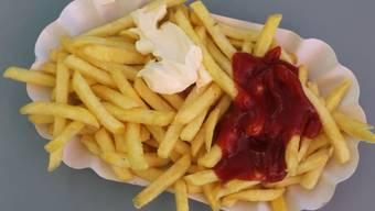 Die Kantonschemiker fanden in jeder siebten Papierverpackung chemische Rückstande, die auf die Lebensmittel übergehen können. (Archivbild)