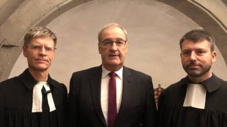 Zum Reformationssonntag haben im Zürcher Grossmünster Pfarrer Martin Rüsch, Bundesrat Guy Parmelin und Kirchenbundspräsident Gottfried Locher gemeinsam einen Gottesdienst gefeiert.