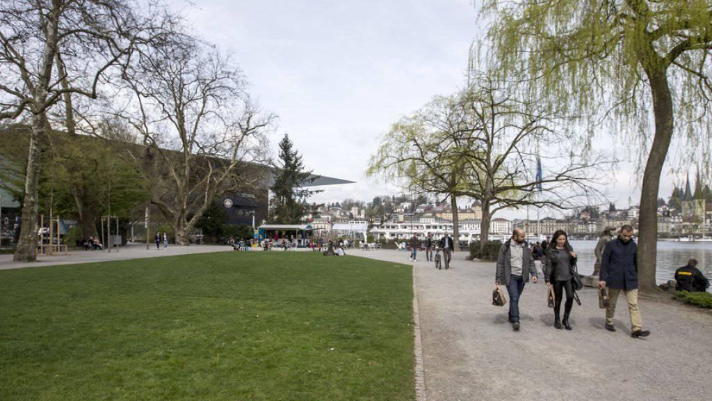Das Inseli in Luzern mit dem KKL im Hintergrund. Hier soll das Neue Theater Luzern / Salle Modulable entstehen (Archiv)