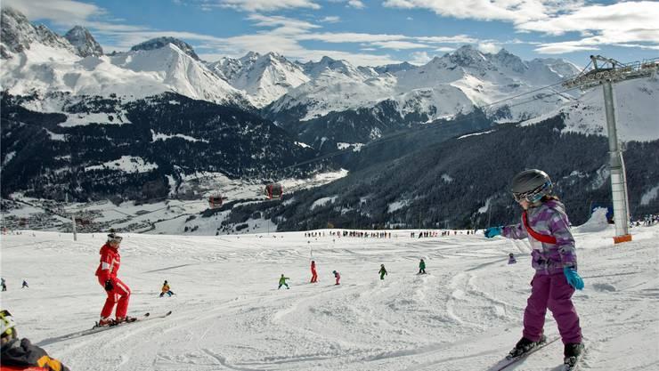 Der Wintersport soll wieder intensiver gefördert werden: Eine Skischulein Savognin. M. Rinderknecht