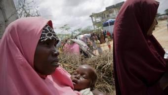 Zwei Frauen mit Baby in Somalia (Symbolbild)