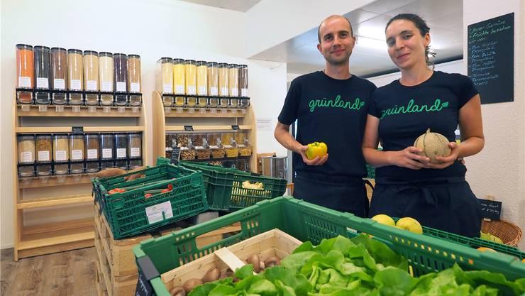 Die Betreiber von «Grünland»: Simon Kiefer und Nadja Nyffeler.