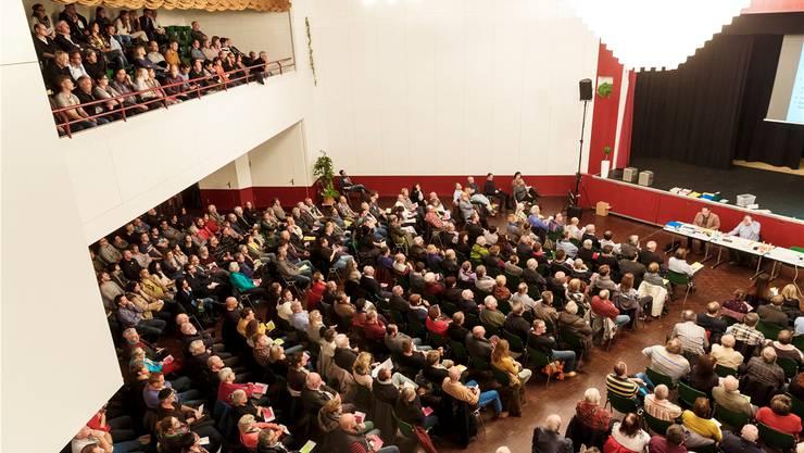 Am meisten mobilisierte das Fusionsprojekt in Biberist. 600 Personen waren anwesend – die Mehrheit lehnte das Projekt letztlich ab.