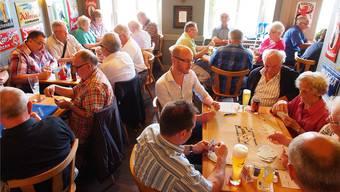Am 4. Mai wird in Balsthal der beste Jasser gesucht. Hier ein Foto eines gewöhnlichen Jass-Turniers in Olten.