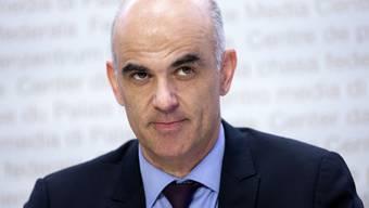 Gesundheitsminister Alain Berset präsentierte am Freitag die verschärften Massnahmen. (Archivbild)