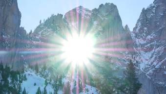 Die Sonne blitzt durchs Grossmutterloch